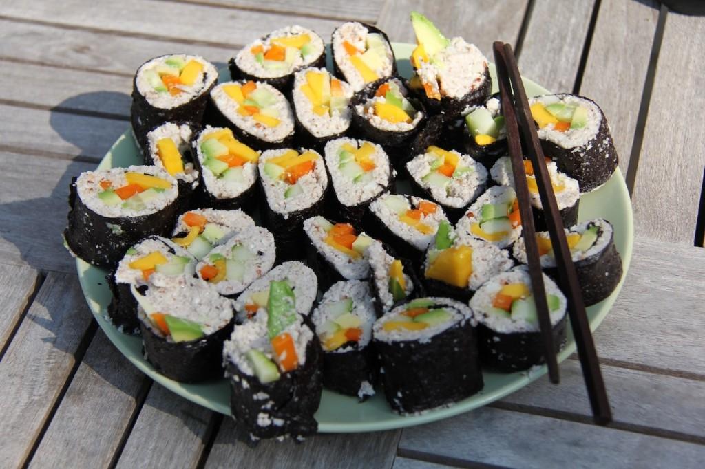 raw-sushi-eating-for-energy